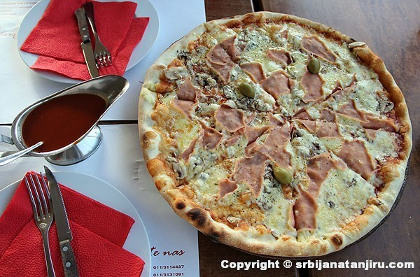 Pica Kaprićoza, restoran Atos