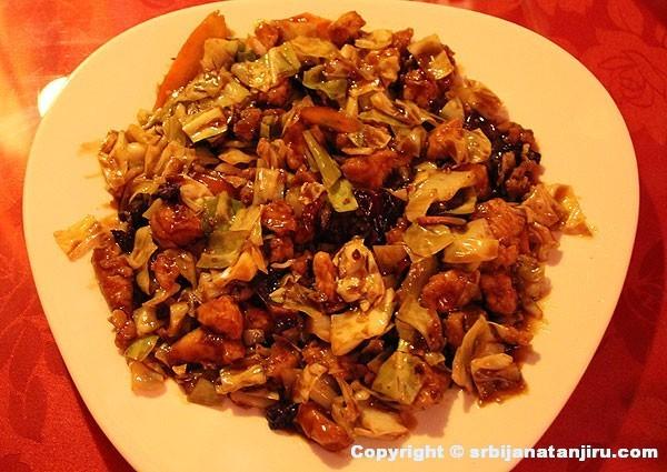 Restoran Li - piletina u sečuan sosu