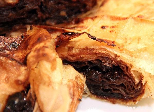 Pita od suvih šljiva u crnom vinu sa čokoladom