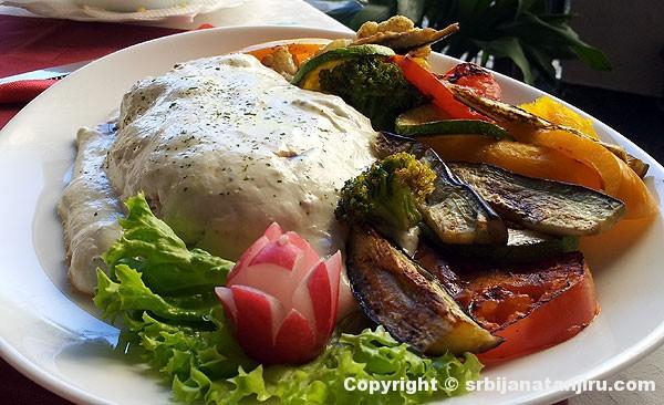 Biftek u sosu od gorgonzole
