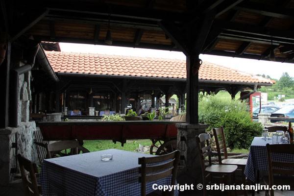 Restoran Rudnički breg - bašta restorana