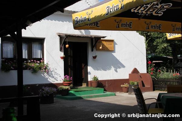 Bašta restorana Petrovačka čarda