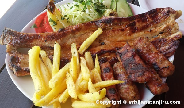 Rebarca na roštilju i hajdučki ćevap