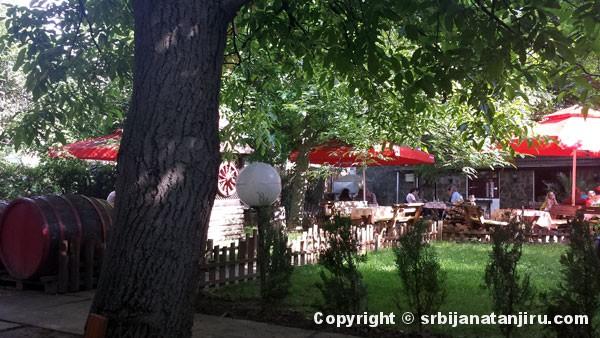 Restoran Koliba u Leskovcu - bašta restorana